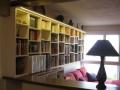 Bibliothèque et bureau en mélaminé uni et chêne teinté