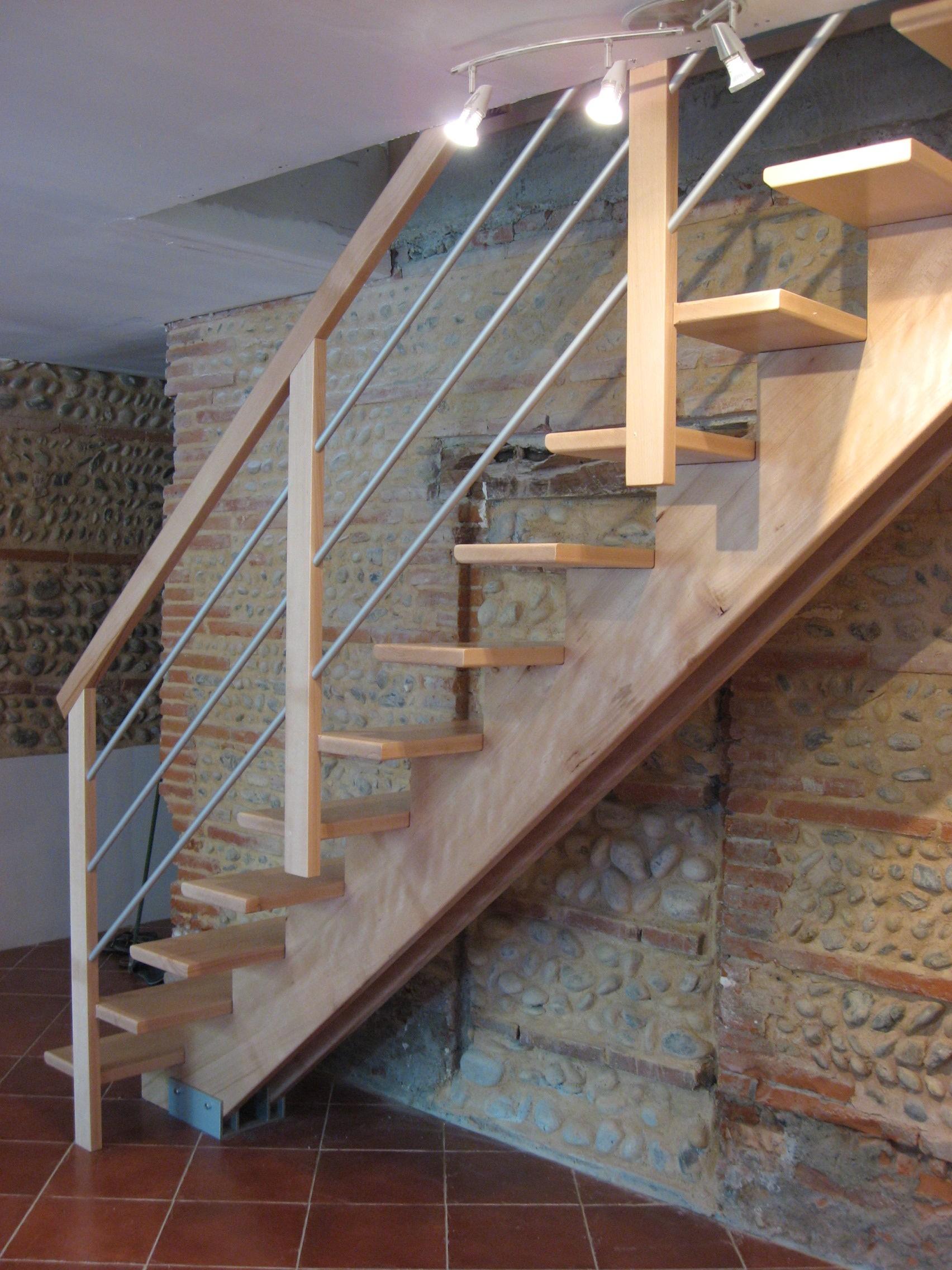 Fabrication escalier bois sur mesure à Toulouse  Stéphane