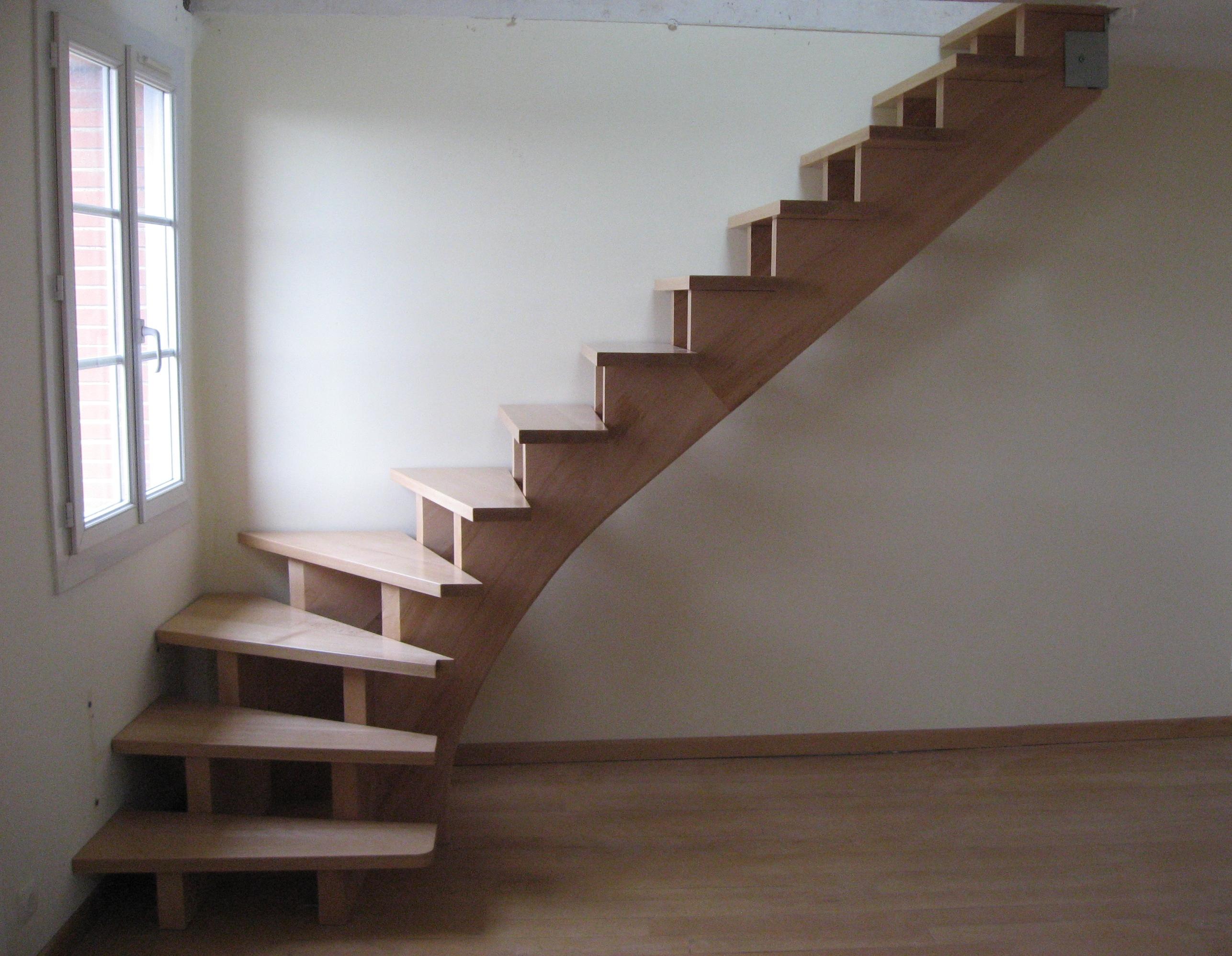 comment fabriquer un escalier d 39 ext rieur en bois of fabriquer un escalier exterieur en bois. Black Bedroom Furniture Sets. Home Design Ideas
