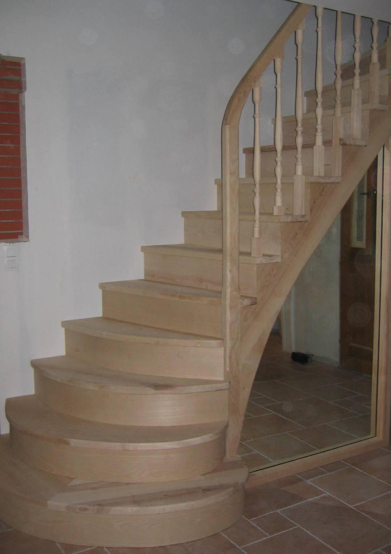 Escalier Bois Peint Photos De Conception De Maison
