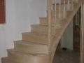 Escalier anglais à balustres tournées en frêne