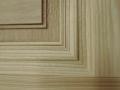 détail-moulure-d'une-porte-en-frêne