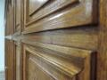 Facade-de-placard-en-chêne-massif-teinté-détail